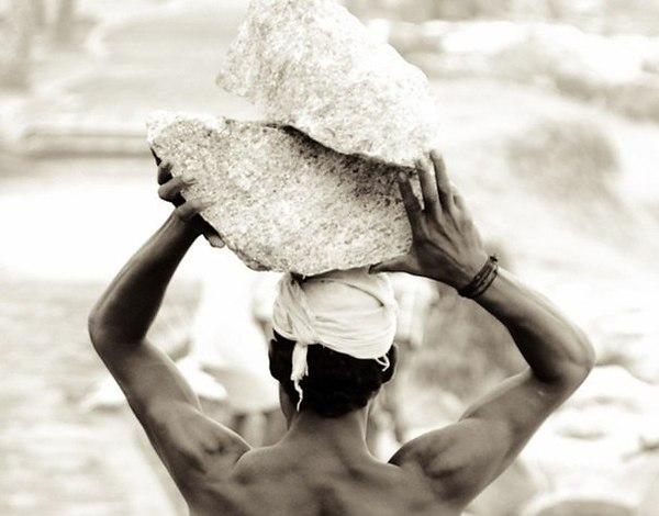 Таскал камни со стройки домой