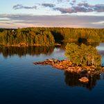 безымянный остров на озере Вирмаярви в Иломантси.