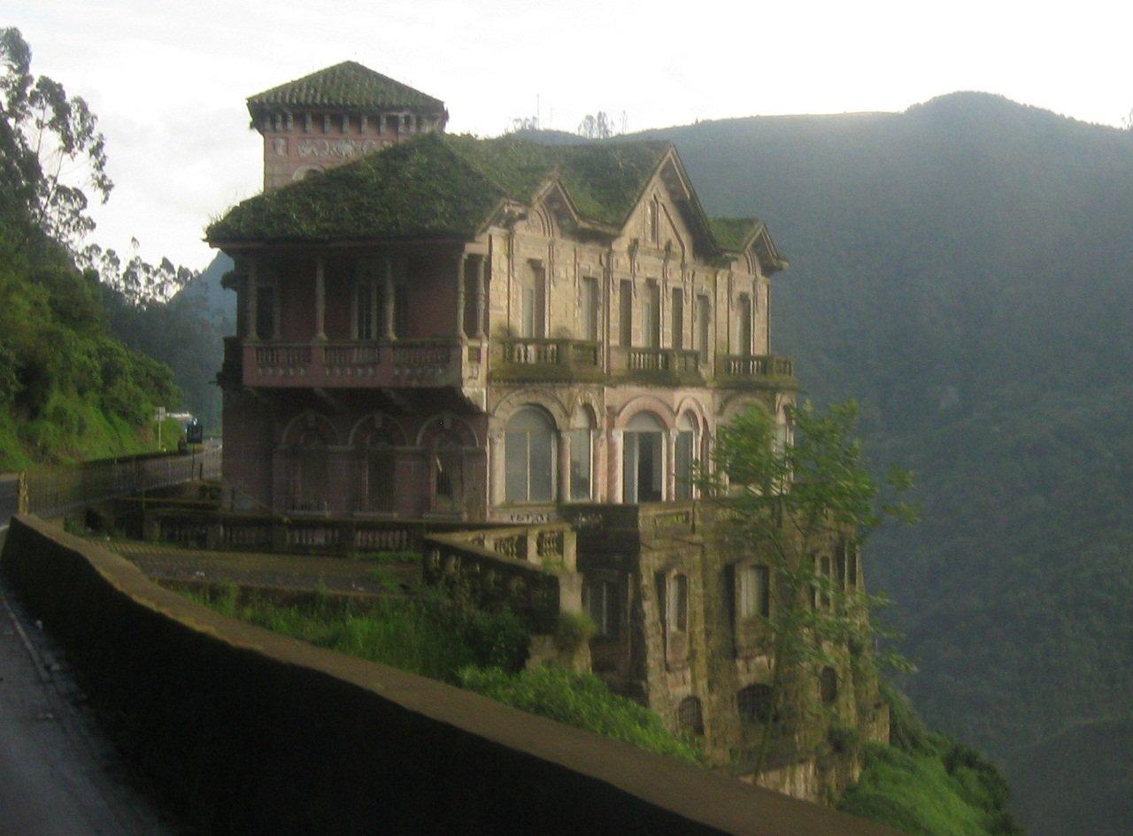 Старинный отель с легендой