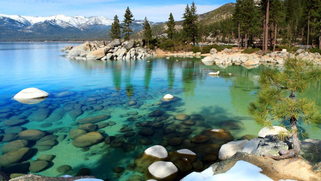 Кристально чистая вода озера Пяйянне