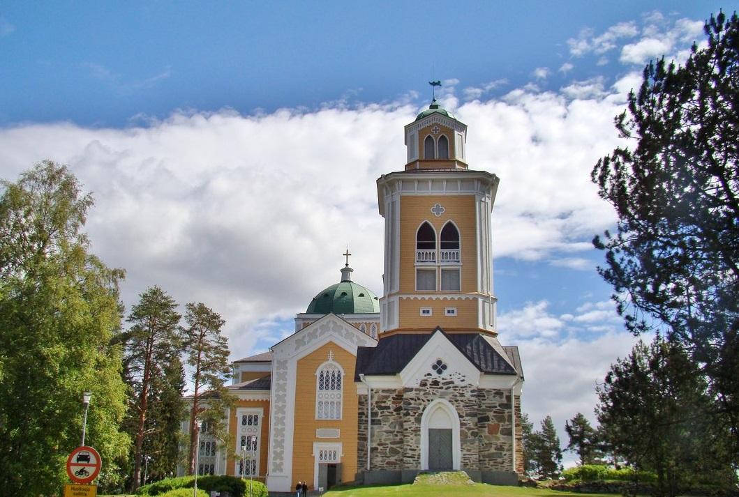 Самая большая деревянная церковь в Финляндии