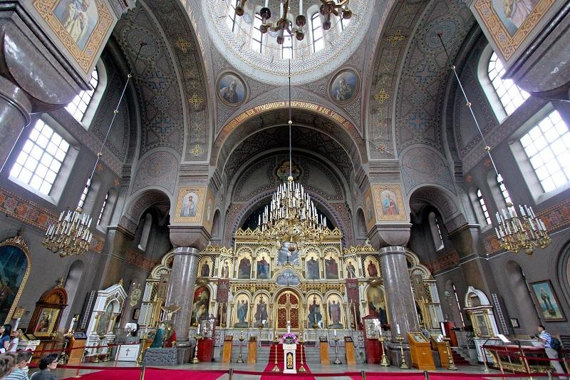 Успенский собор в Хельсинки внутри